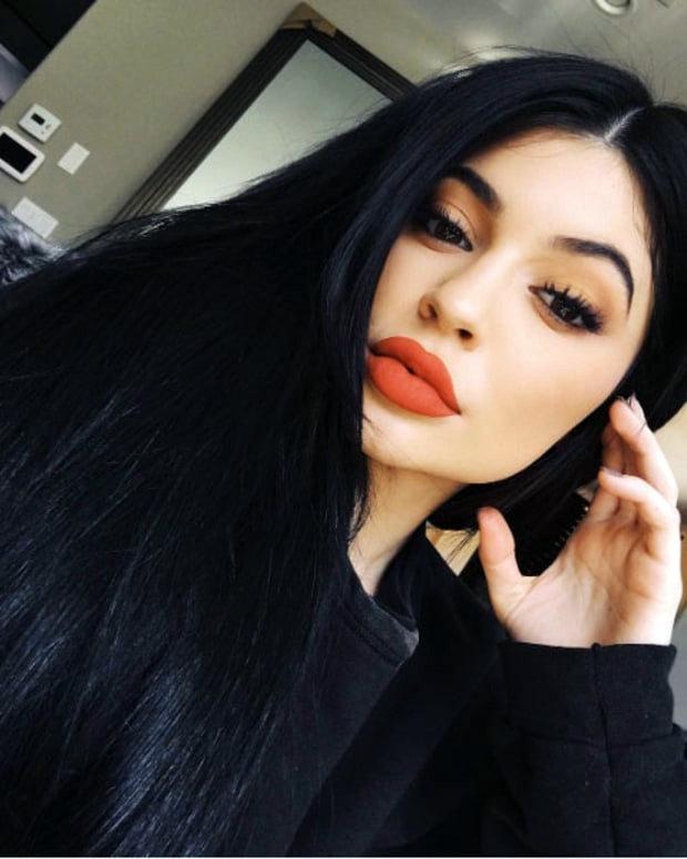 Kylie Jenner : Snapchat : @kylizzlemynizzl