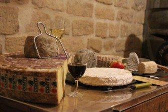 Une séance de dégustation de fromages - Paroles de Fromagers