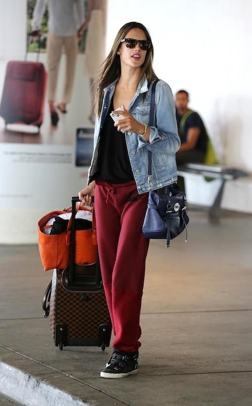 Alessandra Ambrosio à l'aéroport de LAX