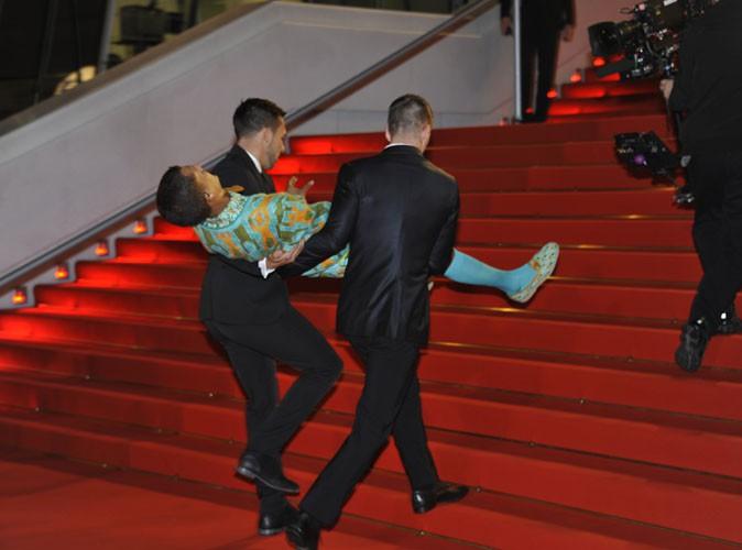 La montée des marches de Stromae pour les Nrj Music Awards 2013