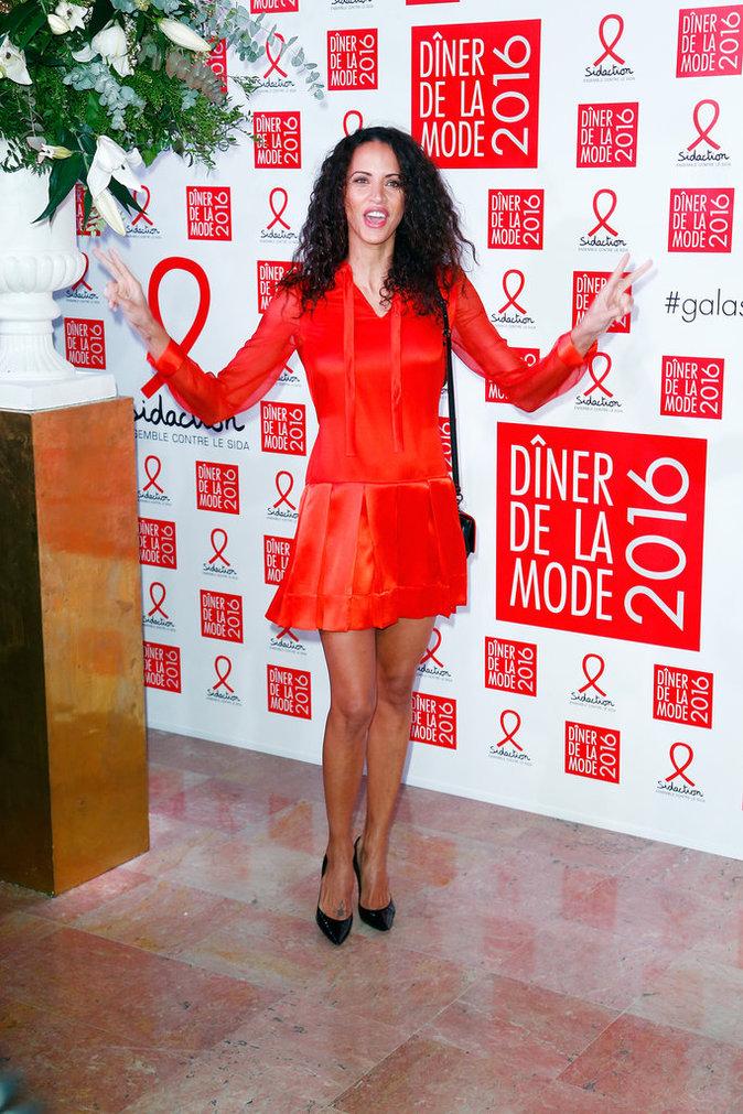Noemie Lenoir a fait sensation dans sa robe orange