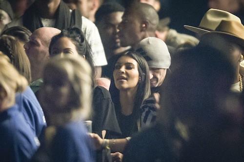 Kim Kardashian au concert de Kanye West lors du festival de Glastonbury à Londres, le 27 juin 2015