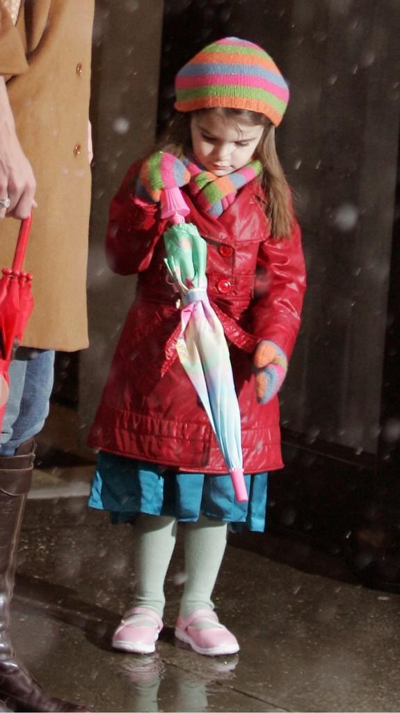 Suri Cruise en 2010 : il y aura deux sapins de Noël à la maison cette année !