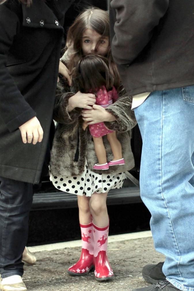 Elle a quand même encore besoin de sa poupée !