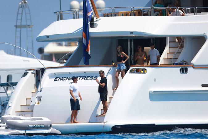 Sylvester Stallone a profité de la beauté de la mer autour de Saint Tropez