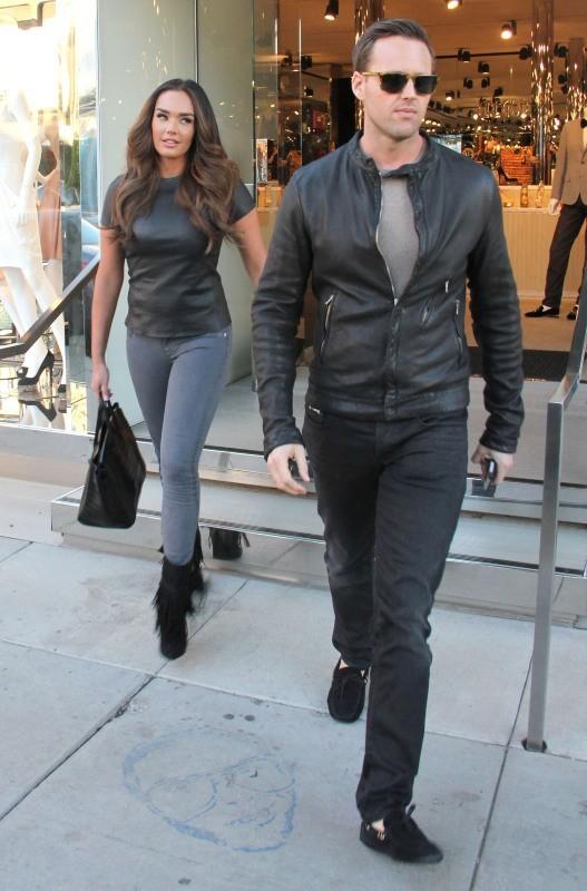 Tamara Ecclestone en plein shopping avec un mystérieux homme à West Hollywood, le 14 janvier 2013.