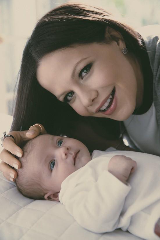 """Photos : Tammin Sursok : découvrez la baby-girl de l'actrice de """"Pretty Little Liars"""" !"""