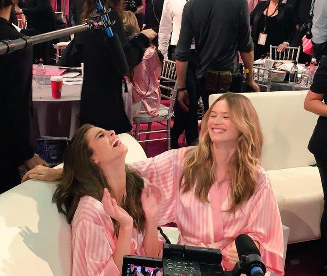 Photos : Taylor Hill et Behati Prinsloo : deux anges qui ne passent pas inaperçues !