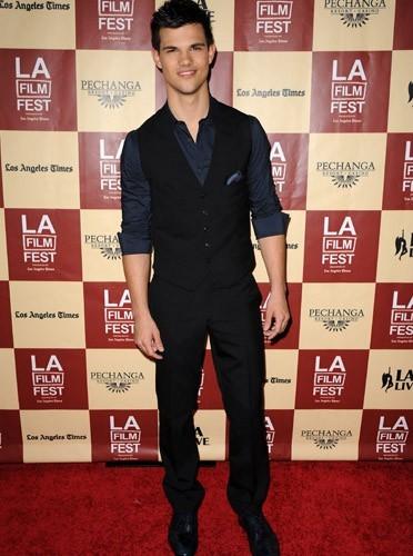 Taylor Lautner on le voit partout !