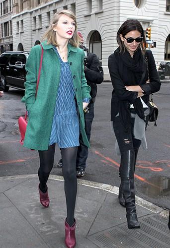 Taylor Swfit et Lily Aldridge à New York le 28 mars 2014