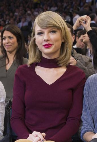 Taylor Swift : célibataire endurcie aux côtés de Kate Upton et Amanda Seyfried in love !