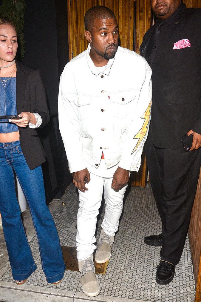 Kanye West au restaurant The Nice Guy à Los Angeles ce dimanche 17 juillet 2016
