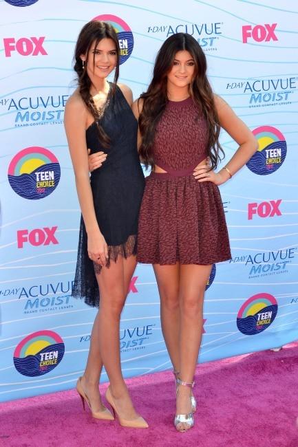 Kendall et Kylie Jenner lors des Teen Choice Awards 2012 à Universal City, le 22 juillet 2012.