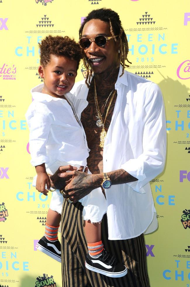 Wiz Khalifa et son fils Sebastian à la cérémonie des Teen Choice Awards 2015