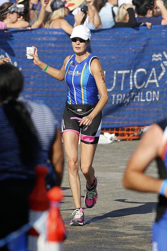 Teri Hatcher : la star s'offre un triathlon avant de fêter ses 50 ans !