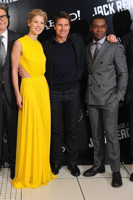 Tom Cruise et Rosamund Pike le 10 décembre 2012 à Londres