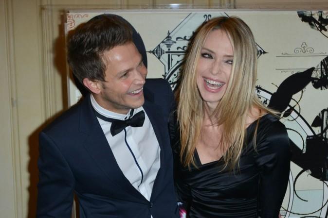 Tonya Kinsinger avec le sosie de Matthieu Delormeau à la soirée de gala organisée par l'association Enfance Majuscule à Paris le 25 février 2013