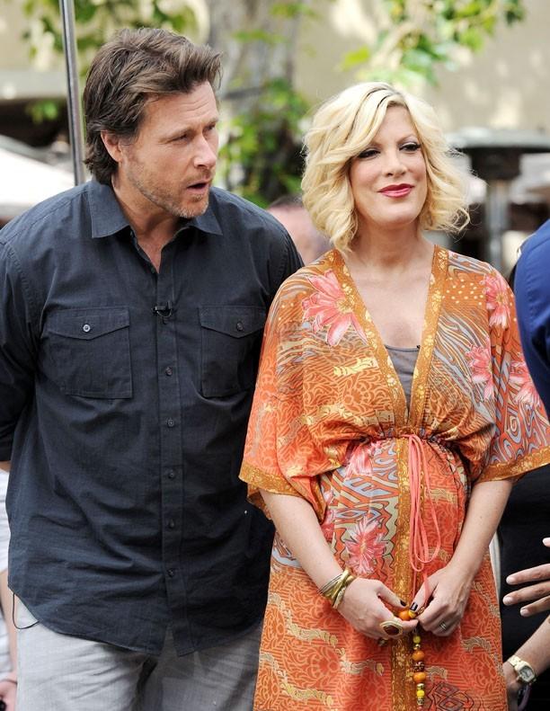 Epanouie comme jamais, Tori attend son troisième enfant...