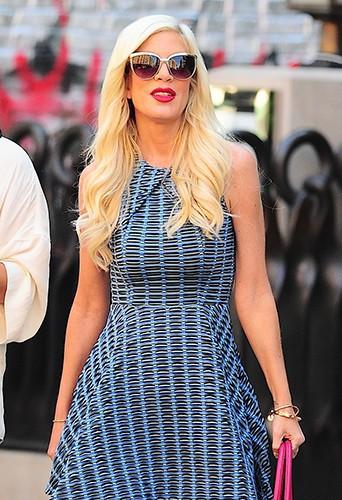 Tori Spelling à New York le 24 juin 2014