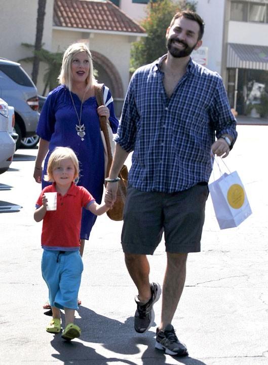 Avec son petit Liam et un ami...