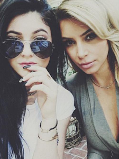 Le selfie des soeurs Kardashian-Jenner...