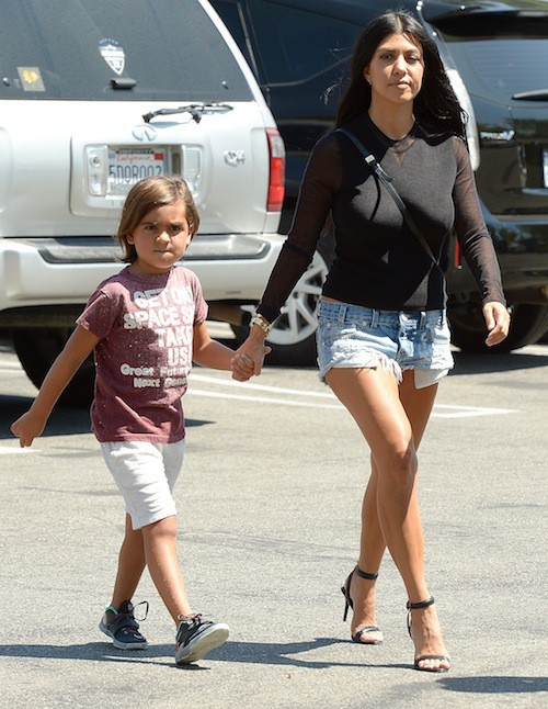 Kourtney Kardashian et Mason accompagnent Kim Kardashian