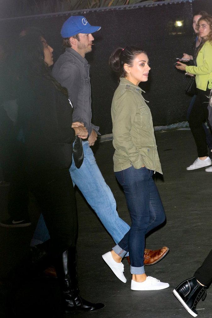 Mila Kunis et Ashton Kutcher au concert de Beyoncé à Los Angeles le 15 mai 2016