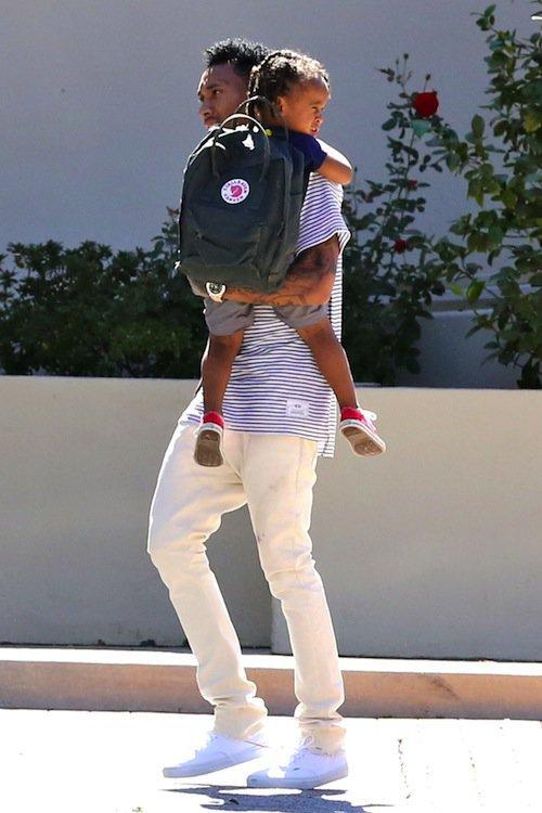 Tyga amène son fils, King Cairo, à l'école le 9 octobre 2015