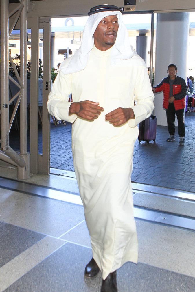 Photos : Tyrese Gibson : la star de Fast & Furious en mode Émirat à L.A. !