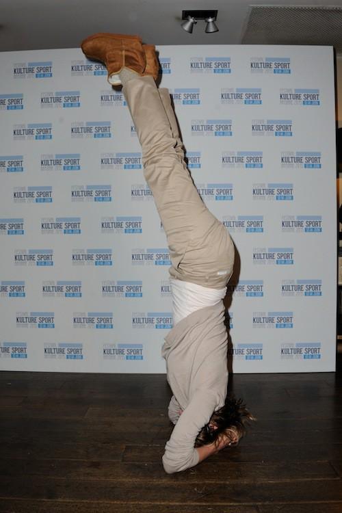 Photos : Valeria Bruni Tedeschi acrobate devant Thomas Ngijol et Karole Rocher !