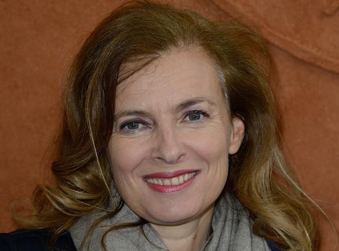Photos : Valérie Trierweiler : sortie entre filles et sous la pluie à Roland Garros !
