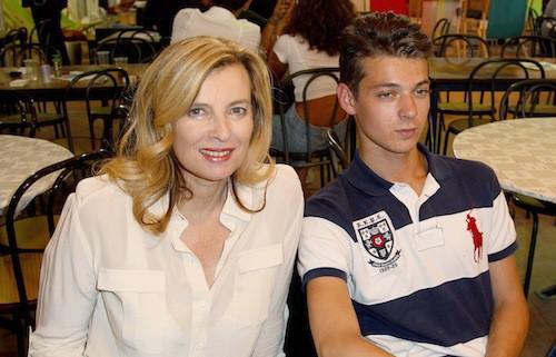 Photos : Valérie Trierweiler transformée, elle s'affiche heureuse avec Léonard !