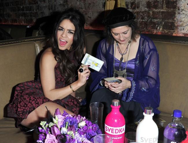 """Vanessa Hudgens lors de la soirée """"Shot Through The Heart Valentines Day Bash"""" à Los Angeles, le 4 février 2014."""