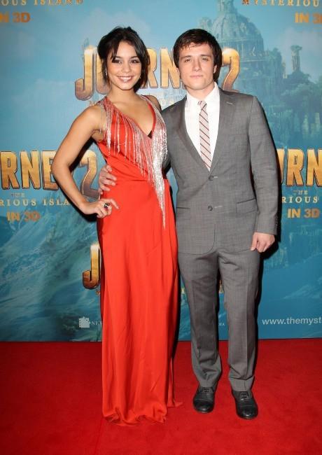 Vanessa Hudgens et Josh Hutcherson lors de la première du film Voyage au centre de la terre 2 à Sydney, le 17 janvier 2012.