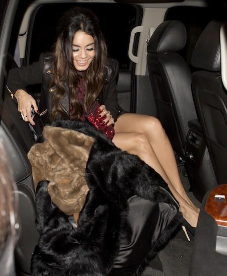 """Photos : Vanessa Hudgens : culotte à l'air pour une soirée entre filles, elle déclare ne pas """"avoir mal tourné"""" !"""