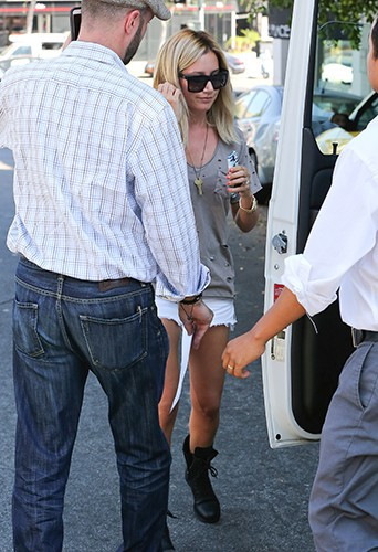 Ashley Tisdale à Los Angeles le 8 juillet 2014