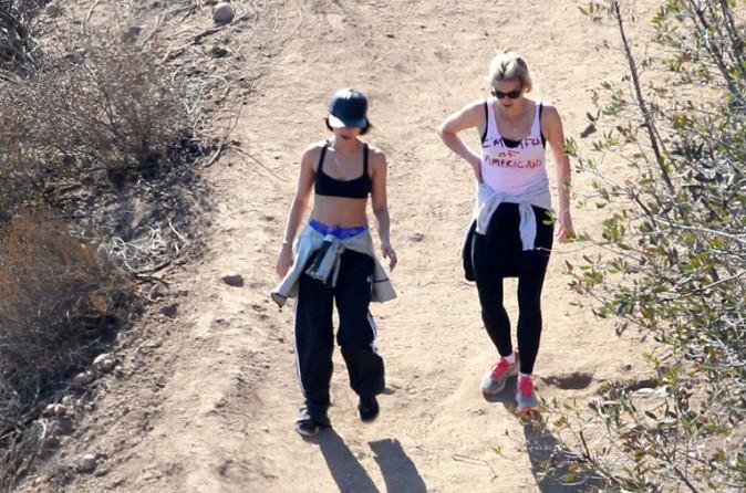 Vanessa Hudgens sur les hauteurs de Los Angeles le 5 février 2014