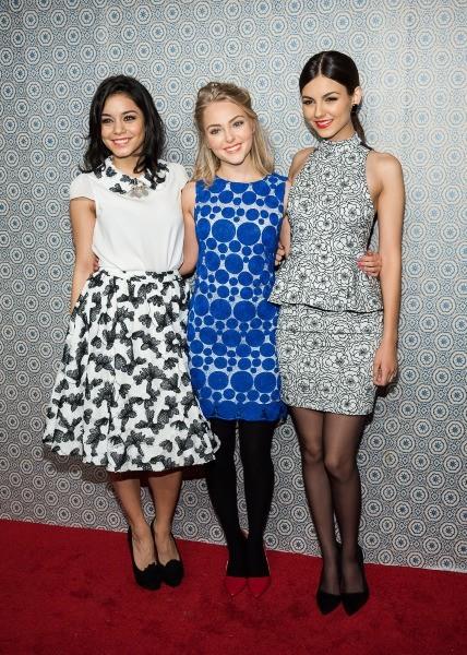 Vanessa Hudgens, Annasophia Robb et Victoria Justice lors du défilé Alice + Olivia à New York, le 11 février 2013.