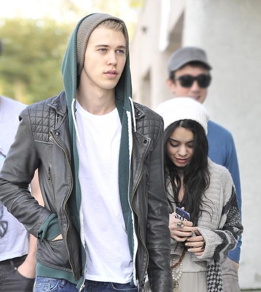 Vanessa Hudgens et Austin Butler le 1er janvier 2013 à Los Angeles