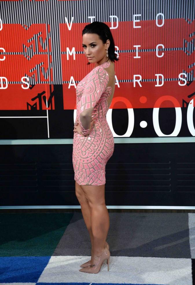 Vanessa Hudgens et Demi Lovato : Une couleur pour deux styles différents !