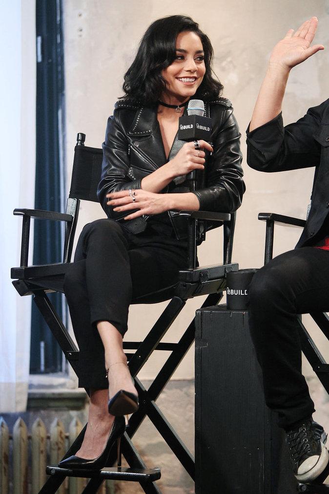 Photos : Vanessa Hudgens et Julianne Hough calines pour la promo de Grease live