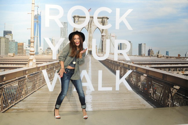 "Vanessa Hudgens lors de l'événement ""American Eagle's Rock Your walk kick off"" à New York, le 30 juillet 2013."