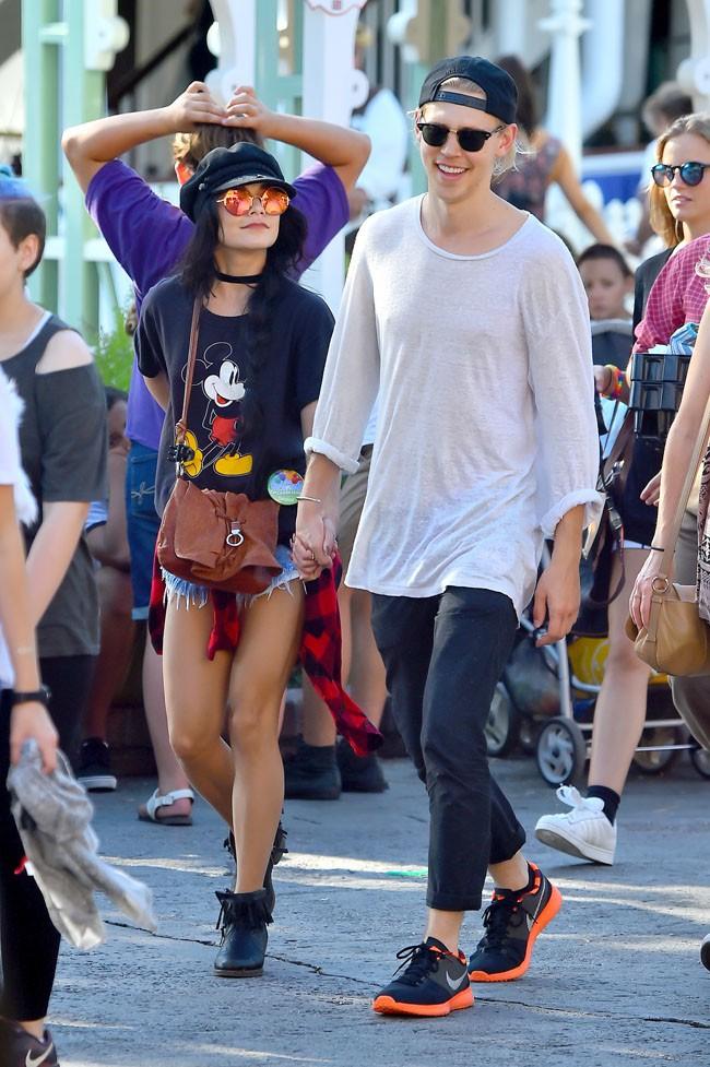 Vanessa Hudgens et Austin Butler à Los Angeles le 17 août 2015