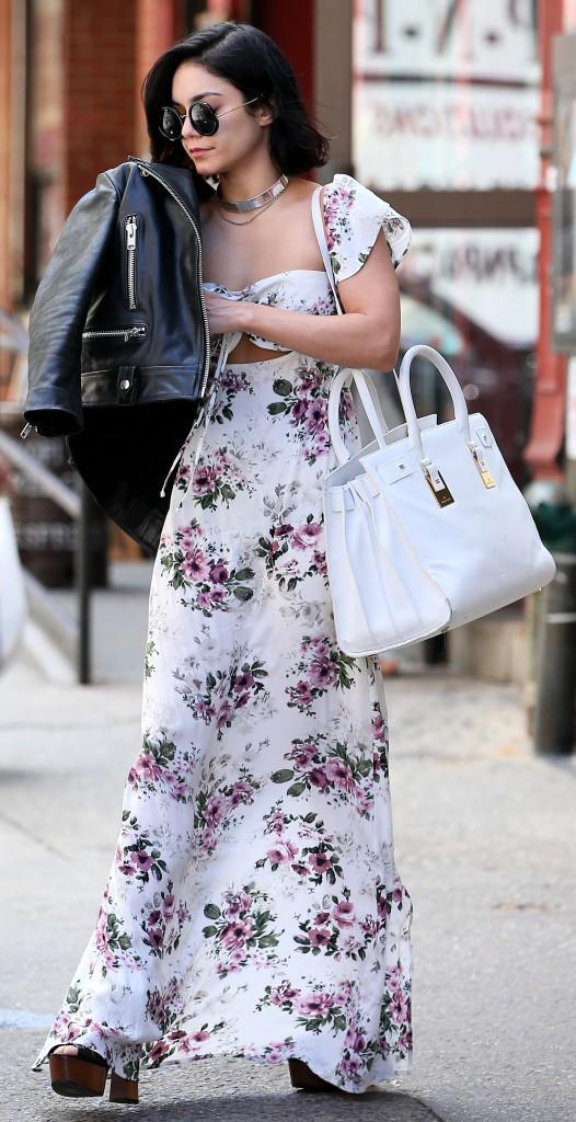 Photos : Vanessa Hudgens : une jolie fleur dans les rues de New York !