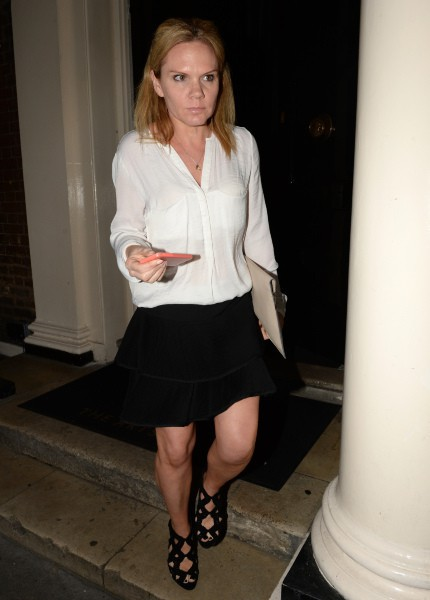 Louise Adams à la sortie du Arts Club à Londres, le 27 avril 2014.