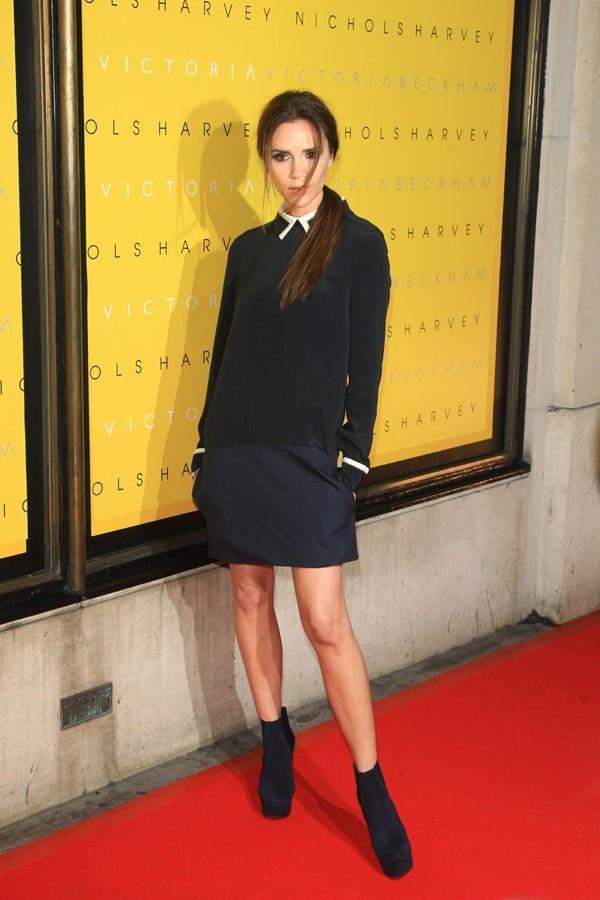 Victoria Beckham pour le lancement de sa nouvelle collection à Londres !