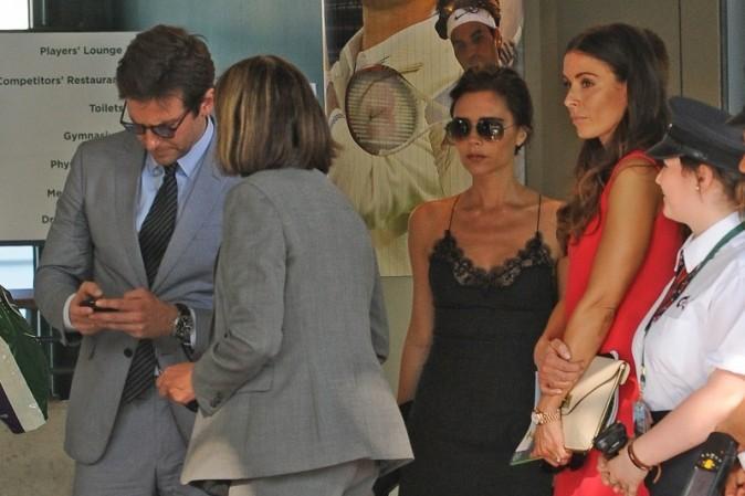 Victoria Beckham et Tara Ramsay à Wimbledon, le 7 juillet 2013.