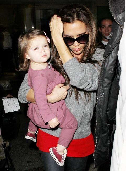 Victoria Beckham et Harper le 1 décembre 2012 à Los Angeles