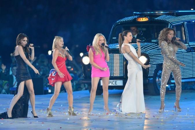 Les Spice Girls sur la scène du stade olympique de Londres