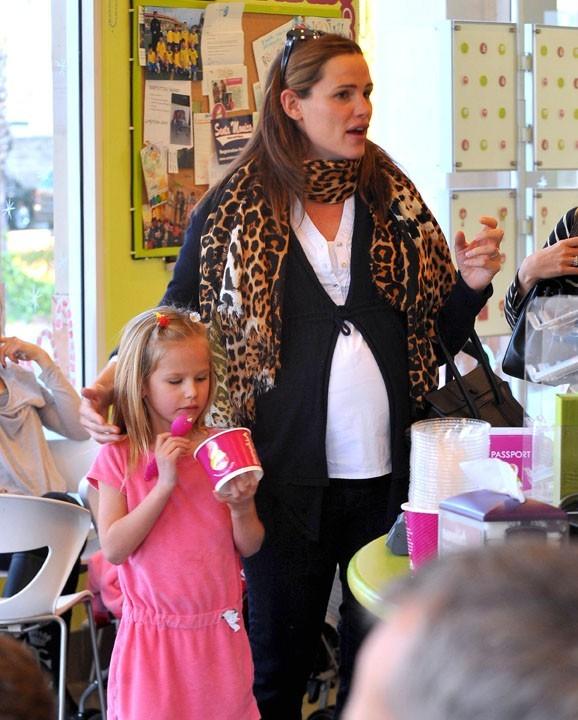 Chez le marchand de glaces avec sa maman, Jennifer Garner